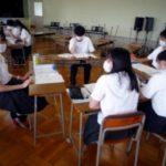 「鈴鹿学」1年生の探究活動「プレすず」でも班活動を行っています